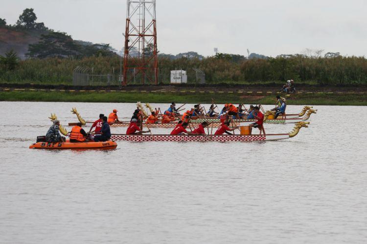 750x500-lomba-perahu-naga-sebagai-ajang-seleksi-atlet-dayung-lokal-161015m